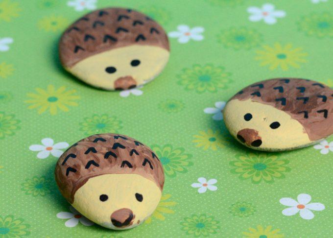 Hedgehog Painted Rocks – Rock Crafts for Kids