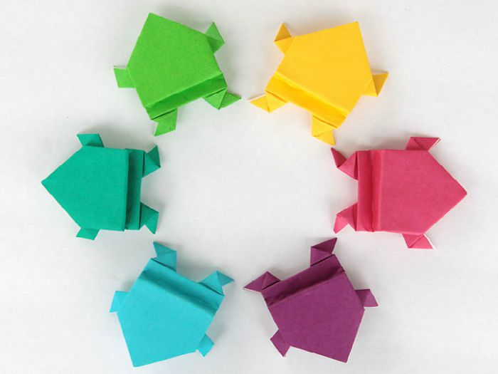Easy Origami Frogs