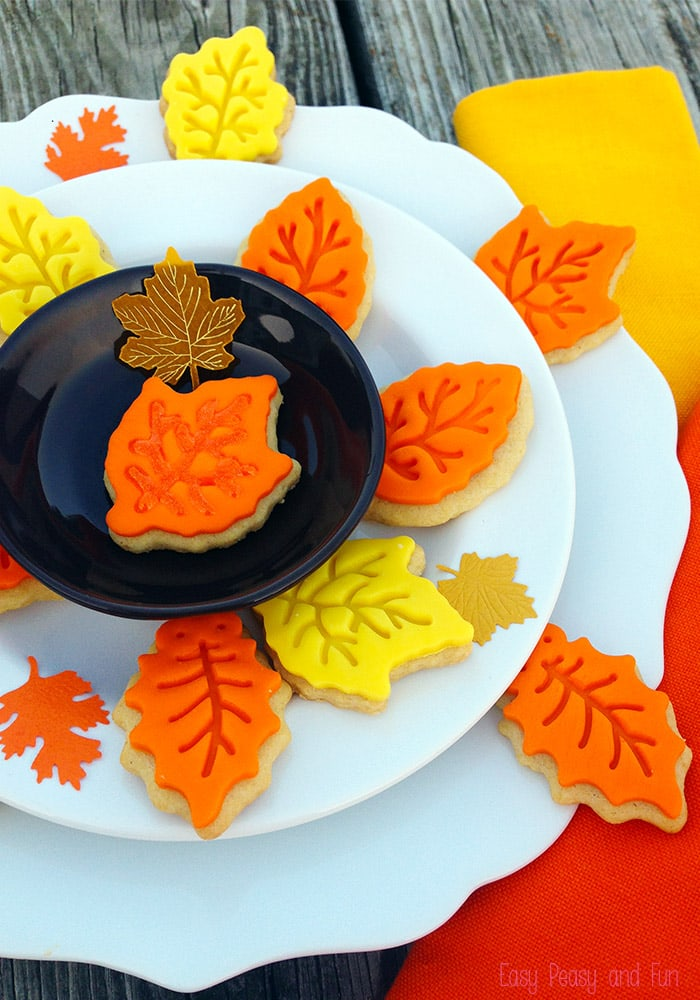 Super Easy Leaf Cookies - Fall Cookies