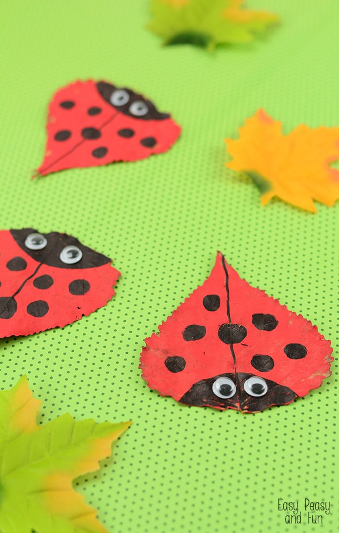 Leaf Ladybug Craft - this is a perfect fall craft for kids