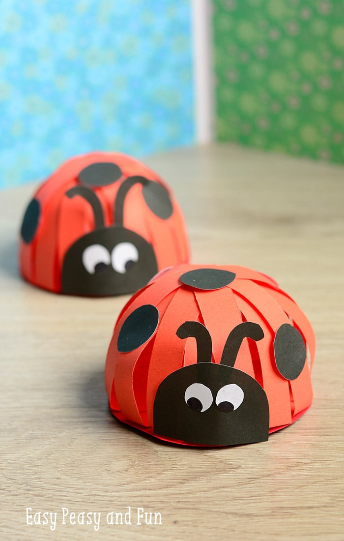 Paper ladybug craft easy peasy and fun for Easy art and craft