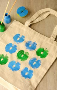 DIY Apple Printed Grocery Bag for Kids to Make