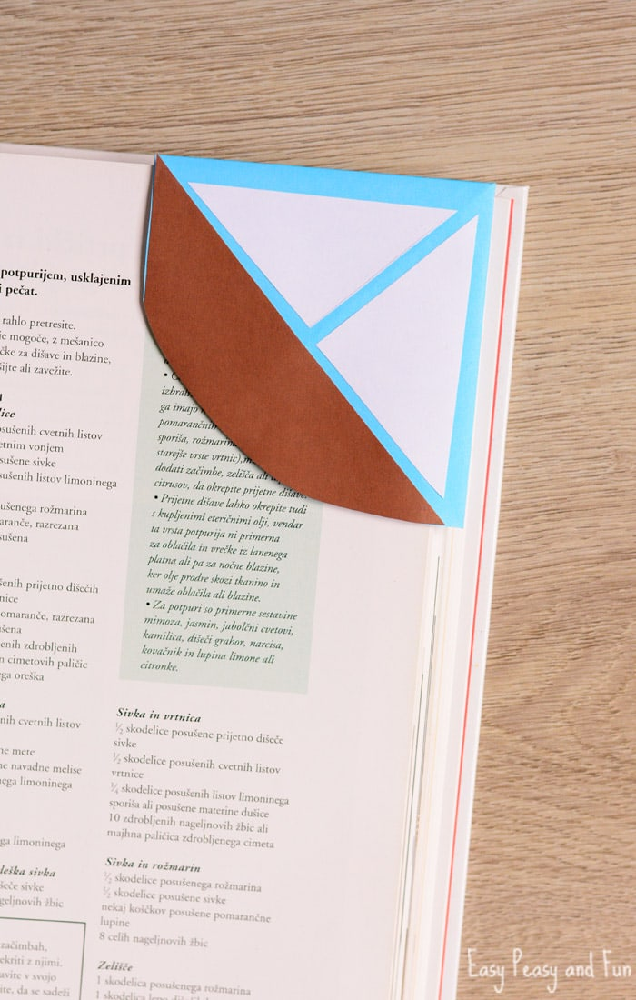 DIY Sailboat Corner Bookmark