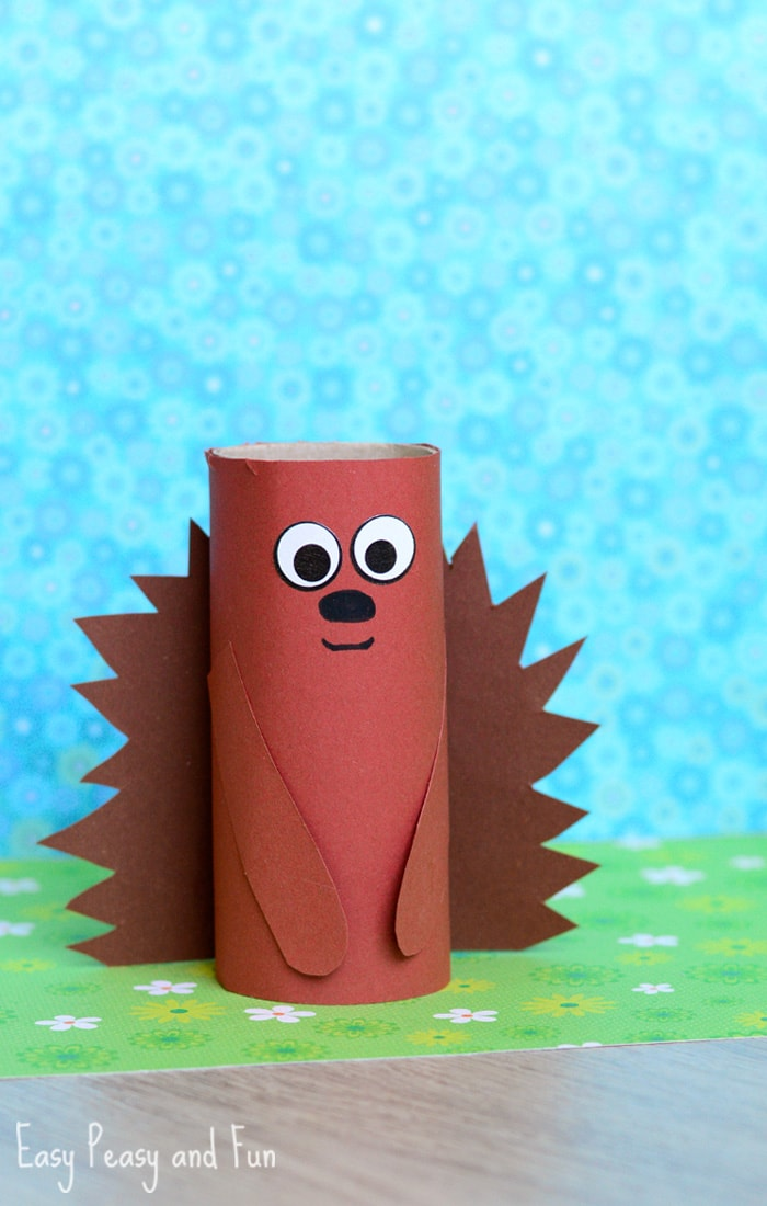 Paper roll hedgehog craft for kids easy peasy and fun for Fun crafts with toilet paper rolls