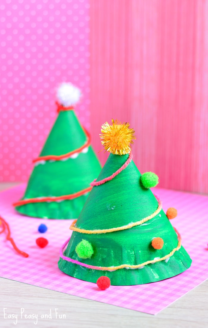Paper plate christmas tree craft easy peasy and fun for Christmas crafts to make