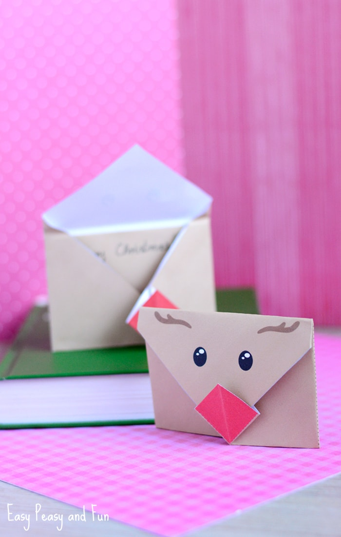 Printable Reindeer Origami Envelope - fun little envelope, perfect for sending your Christmas letters.