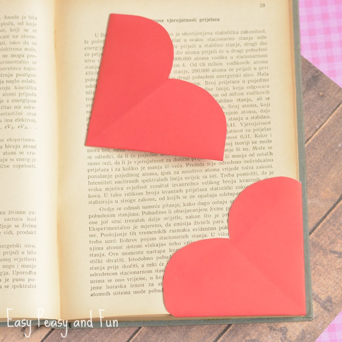 Heart shaped bookmarks by Easy peasy and fun