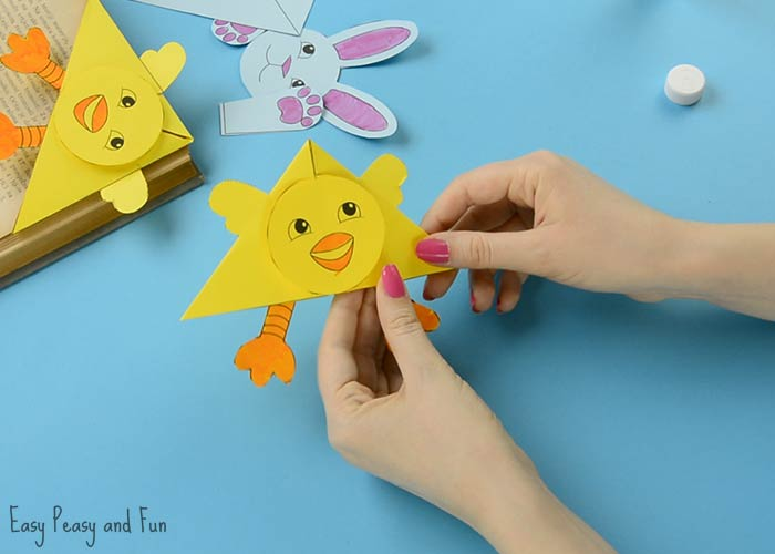Easter corner bookmarks bunny and chick template easy peasy and fun easter corner bookmarks template maxwellsz