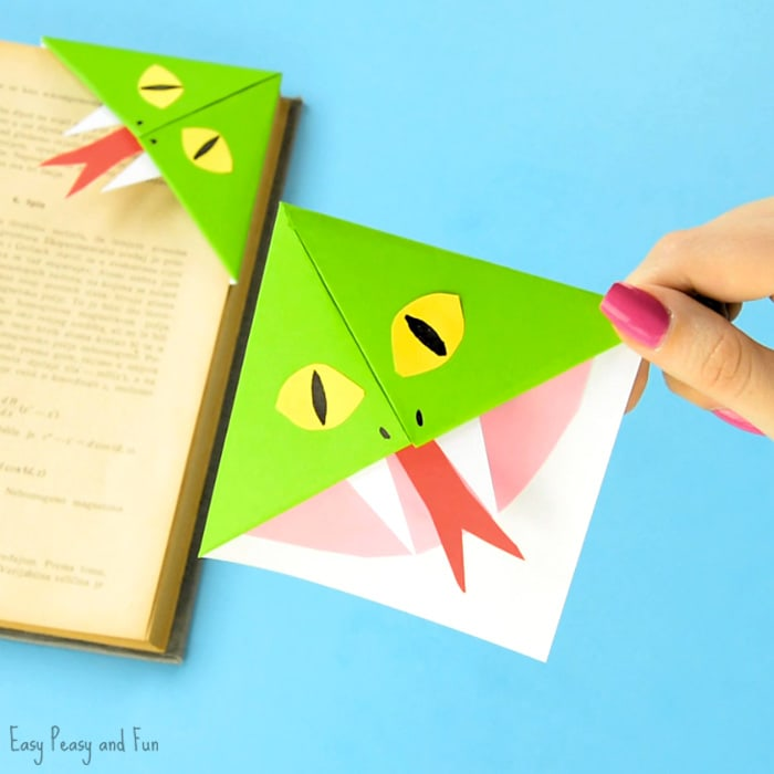 Snake corner bookmarks easy peasy and fun How to make a simple bookmark