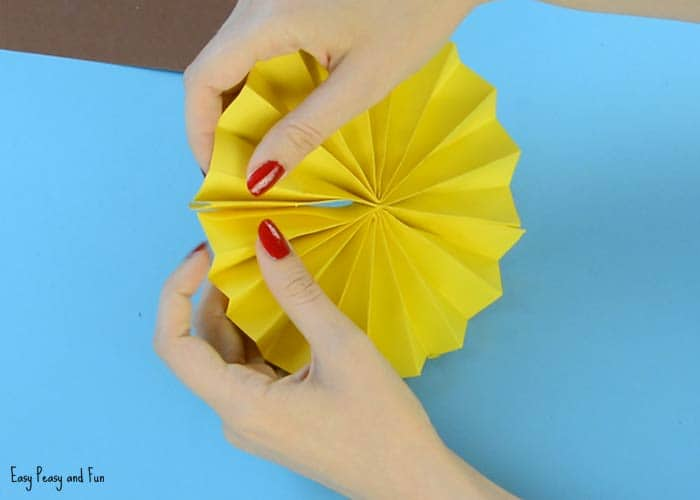 Cut A Smaller Circle Out Of Brown Paper Glue It Onto Your Sunflower Rosette