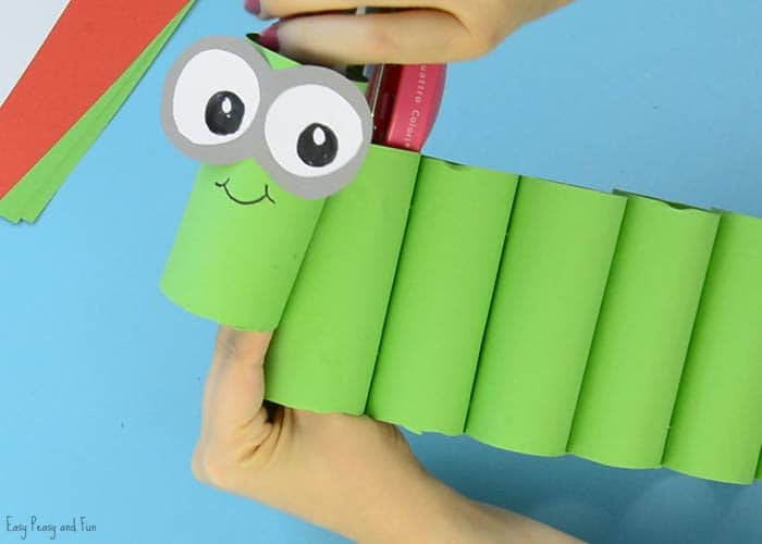 Book Cover Paper Roll : Diy bookworm paper roll pencil holder easy peasy and fun
