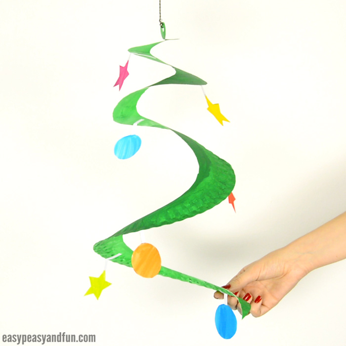 Paper Plate Christmas Tree Craft & Paper Plate Christmas Crafts - Easy Peasy and Fun
