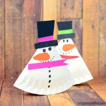 Rocking Paper Plate Snowman & Paper Plate Christmas Crafts - Easy Peasy and Fun