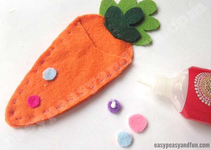 carrot treat pouch easter felt pattern carrot treat pouch easter felt pattern easy peasy and 7487