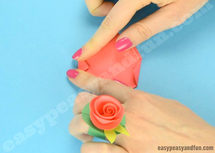 How to make origami flowers origami tulip tutorial with diagram how to make an easy origami flower stem mightylinksfo