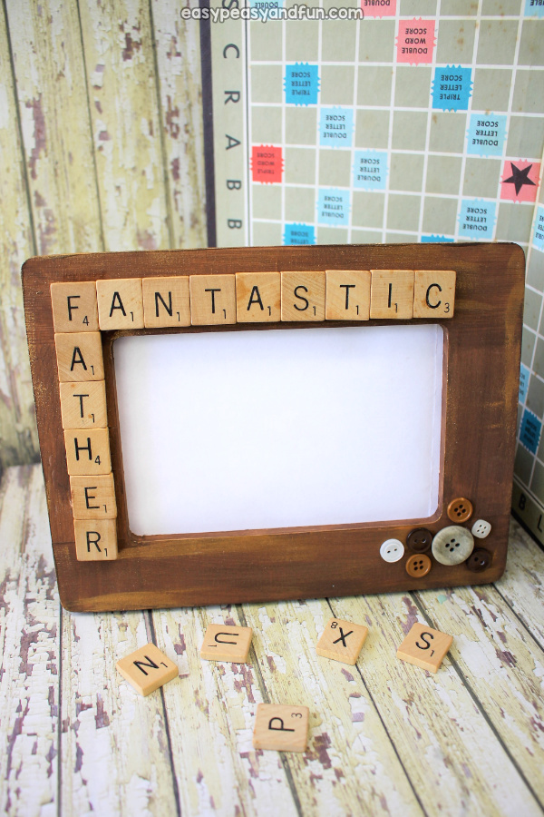 DIY photo frame idea. Perfect for Father's day but can be made for any occasion or holiday.