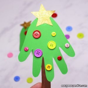 Handprint Christmas Tree – Christmas craft for kids or a DIY ornament