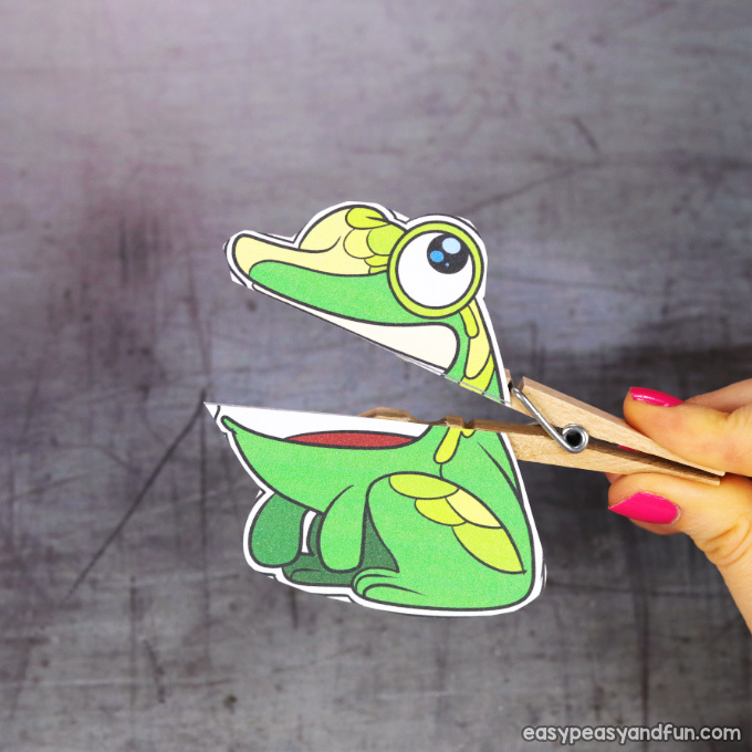 Clothespin Frog Puppet
