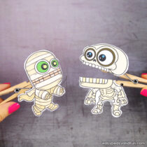 Halloween Clothespin Puppets