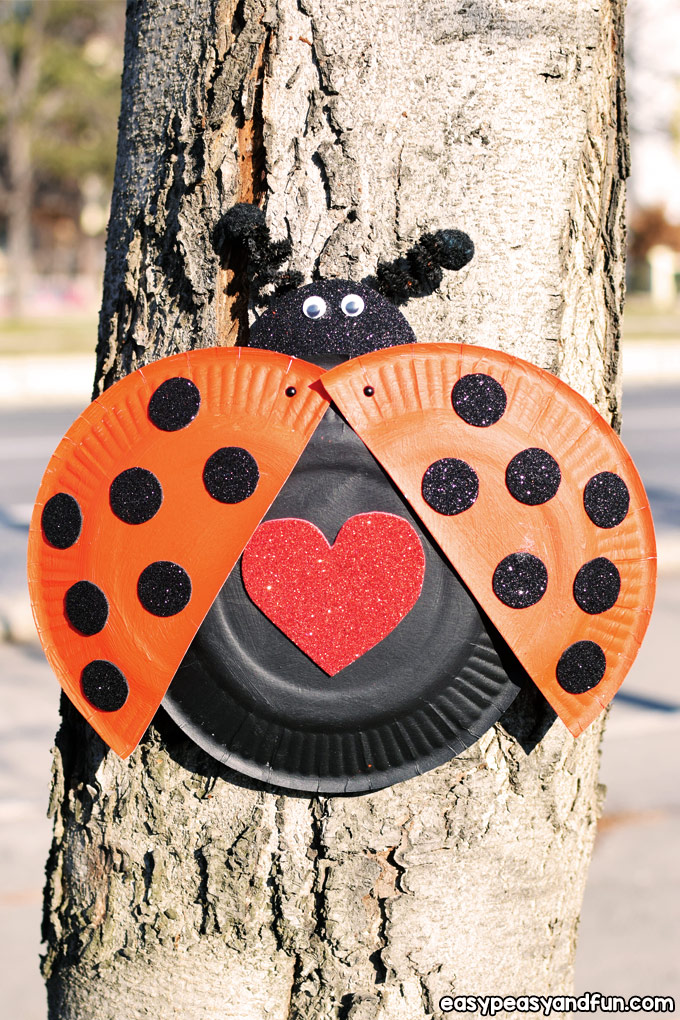 Paper Plate Ladybug Craft for Kids to Make