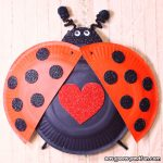 Simple Paper Plate Ladybug Craft for Kids