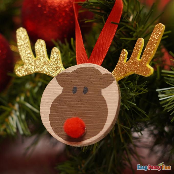 DIY Christmas Wooden Slice Reindeer Ornament