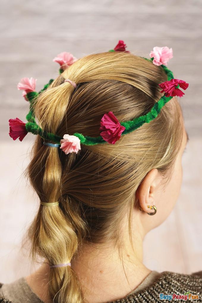 DIY Flower Pipe Cleaners Head Wreath