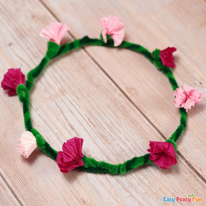 Pipe Cleaners Flower Head Wreath