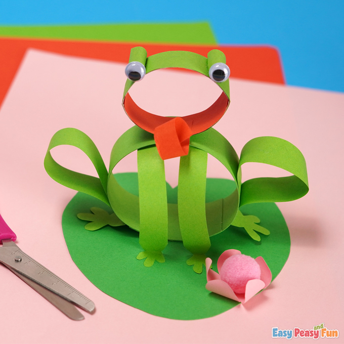 DIY Spring Frog Craft made with Paper Strips