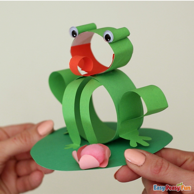 Spring Frog Craft made with Paper Strips