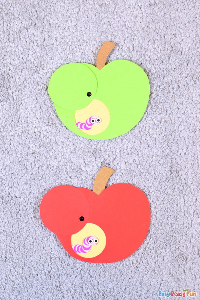 Bricolage Ver et Pomme Papier Craft